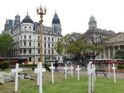 Microcentro, Plaza de Mayo, monument en hommage aux vicitmes non reconnues de la guerre des Malouines