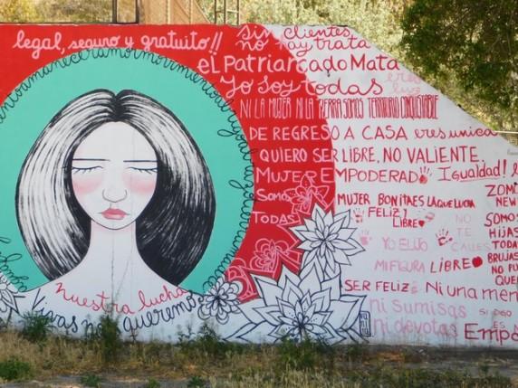 Péninsule de Valdès, Puerto Pyramides, mur peint féministe !