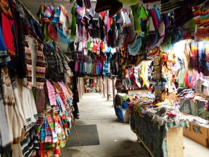 Castro, le port - Marché artisanal