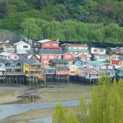 Castro, vue sur les palafitos depuis le mirador du Puente Gamboa