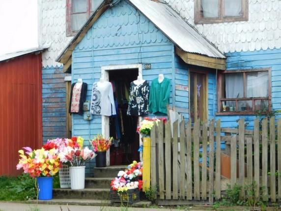 Achao, magasin de vêtements et de fleurs artificielles !