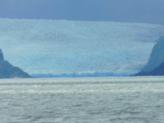 Excursion au Parc Torres del Paine, Lago Grey, glacier qui plonge dans le lac