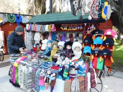 Punta Arenas, petites échoppes d'artisanat en bordure de la Place des Armes