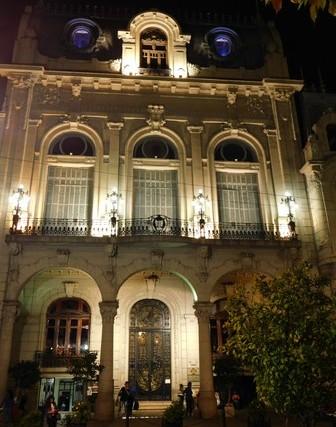 Salta, Plaza 9 de Julio, centre culturel