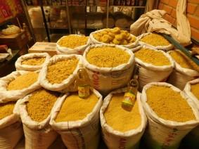 Tupiza, Mercado La Paz - Sacs de pâtes...