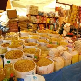 Tupiza, Mercado La Paz - Toujrous des pâtes !