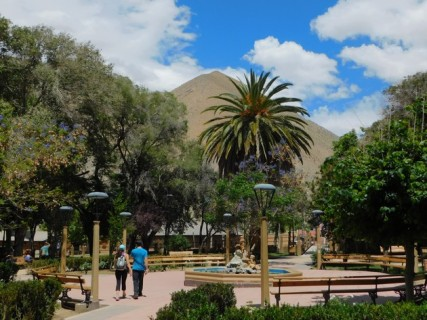 Vallée de l'Elqui, place de l'église à Pisco Elqui