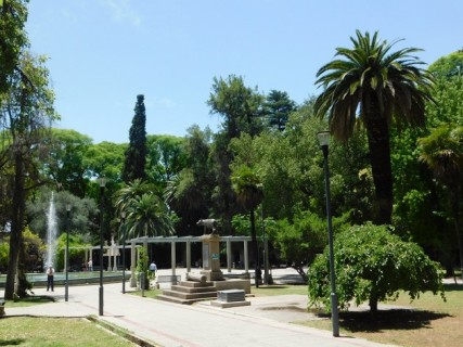 Mendoza, plaza Italia