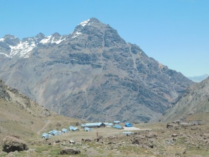 Route Mendoza / Santiago via la Cordillère des Andes - Portillo, vue sur le bas de la station