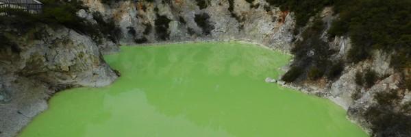 Le site géothermal de Wai-o-Tapu, l'eau sacrée desMaoris