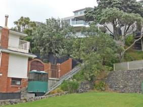 Balade de Takapuna à Milford Beach - Ici, les maison sont parfois équipées de funiculaires privés pour grimper la pente !