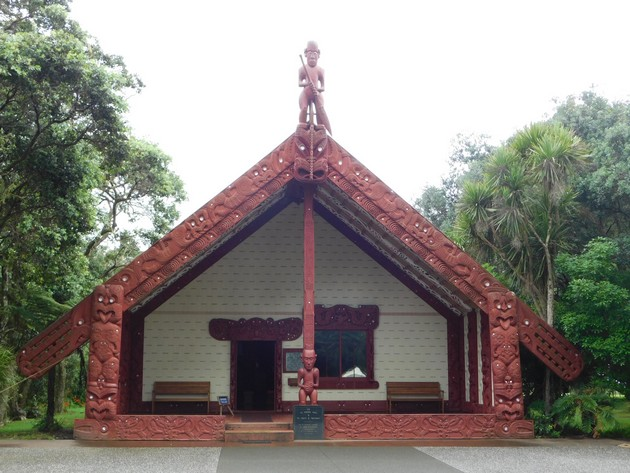 Waitangi Treaty Grounds, the Carved Meeting House