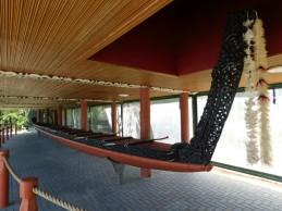 Rotorua - Parc Te Puia - Village maori - Canot traditionnel