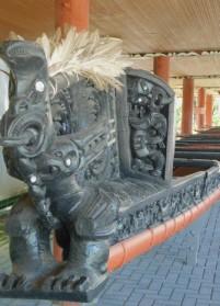 Rotorua - Parc Te Puia - Village maori - Canot, détail