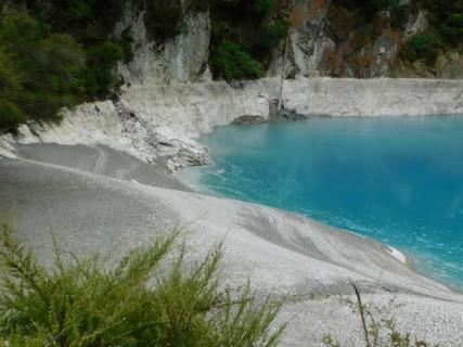 Waimangu Volcanic Valley - Lac du Cratère de l'Enfer