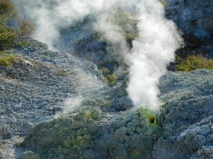 Parc géothermal Wai-O-Tapu - Boucle rouge - Fumerolles