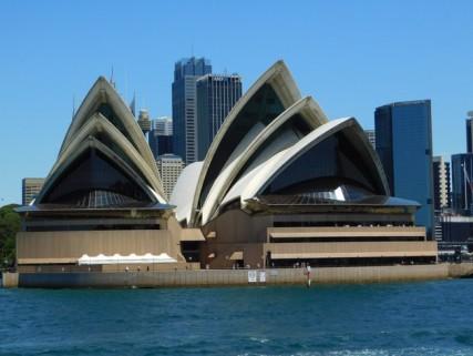 Sur le ferry entre Manly et Sydney - Une dernière vue sur l'Opéra, on ne s'en lasse pas !