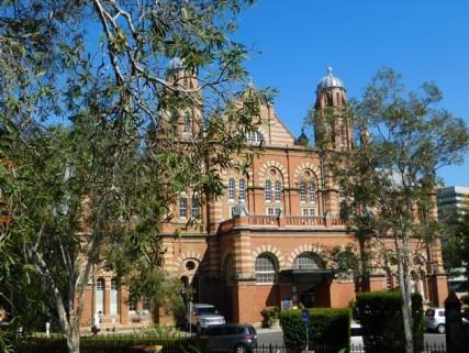 Brisbane - Beau bâtiment en face de notre auberge