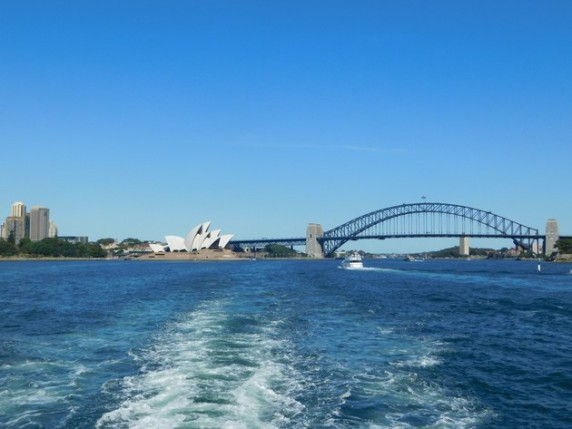 Sydney - Le Harbour Bridge depuis le ferry pour Manly