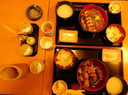 Tokyo - Urayasu - Petit resto traditionnel - Notre plateau repas !