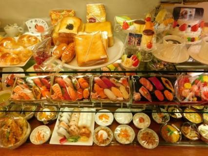 Tokyo - Kappabashi-dori, magasin spécialisé dans la réalisation de plats cuisinés factices en cire