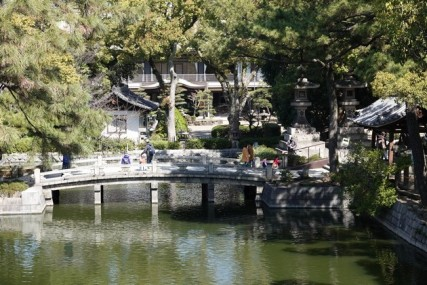 Osaka - Temple Sumiyoshi-Taisha - Vue depuis le pont Taikobashi
