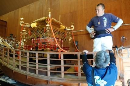 Osaka - Temple Sumiyoshi-Taisha - Danjiri (chars de fête)