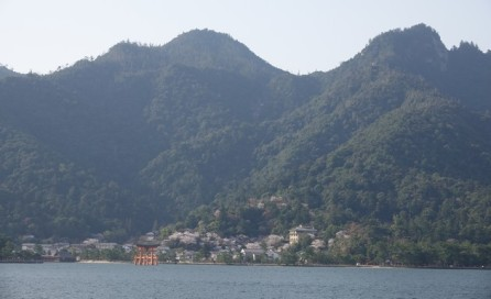 Ile de Miyajima - Vue sur la montagne où se déroulera notre rando
