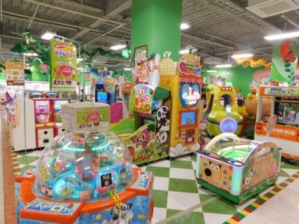 """Shingu - Jeu de """"pinces"""" pour enfants et ados, dans un supermarché"""