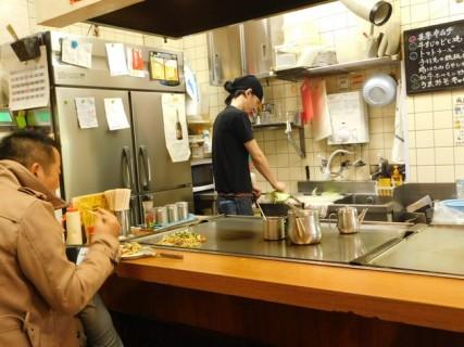 Osaka - Quartier de Kita - Restaurant spécialisé dans la préparation de l'Okonomiyaki