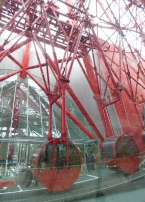 Osaka - Quartier de Kita - Uemda - Centre commercial HEP FIVE - La Grande Roue installée au sommet du batiment...