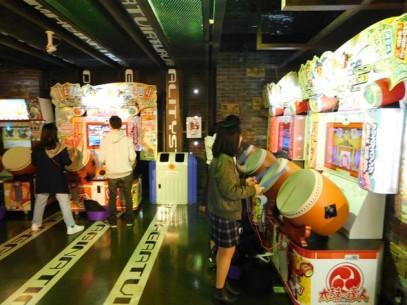 Osaka - Quartier de Kita - Uemda - Centre commercial HEP FIVE - Salle de jeu
