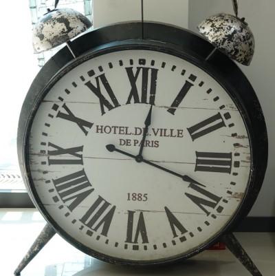 Parc provincial Maisan - Petit musée à l'entrée - Cadre authentique d'une horloge parisienne, d'un mètre de haut !...