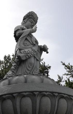 Busan - Temple Haedong Yonggung - Déesse de la mer