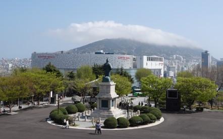 Busan - Yongdusan Park
