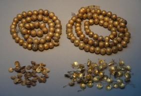 Gyeongju - Musée national - Bijoux en or