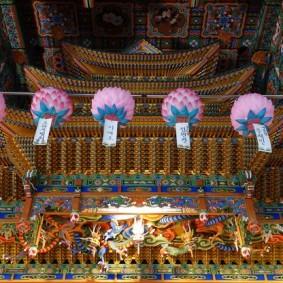Busan - Entre le bas de Nampo et le Yongdusan Park, superbe temple de quartier
