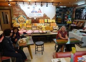 Daegu - Dégustation de pâtisseries à la pâte de riz...