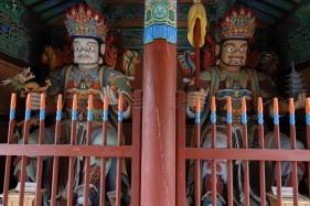 Busan - Temple Beomeosa - Gardiens