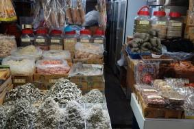 Jeju Town - Dungmun Market - Poissons séchés et algues