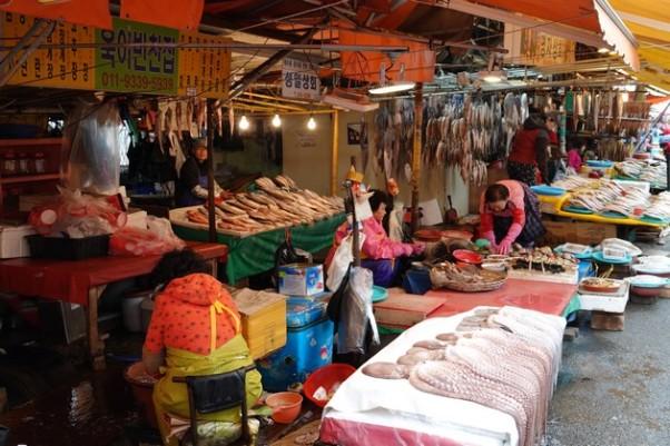 Busan - Marché aux poissons de Jagalchi - Stands extérieurs