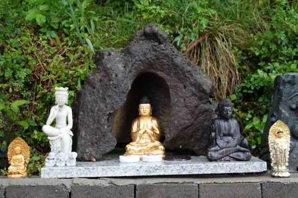 Côte sud-ouest de Jeju - Temple Sanbang