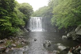 Cheonjeyeon Falls