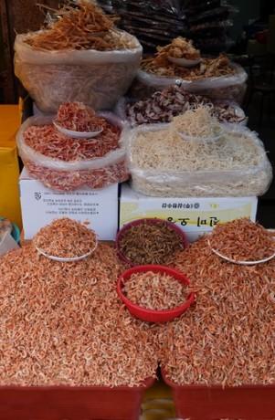 Busan - Marché aux poissons de Jagalchi - Stands extérieurs - Crevettes séchées