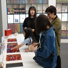 Séoul - Dongdaemun Design Plaza - Boutique où on monte ses propres stylos