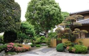 Yokohama - Petit temple bien fleuri situé non loin du Sojiji