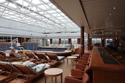 Queen Mary 2 - Piscine intérieure