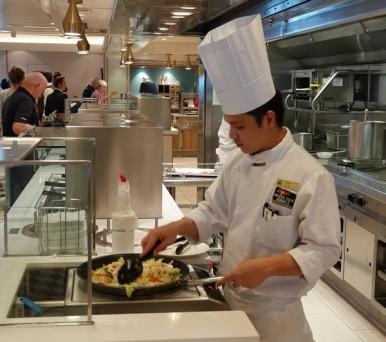Queen Mary 2 - Restaurant Buffet Kings Court