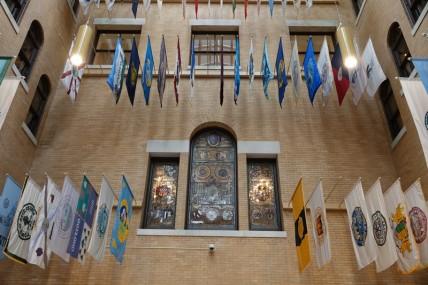 Boston - Freedom Trail - Drapeaux qui rappellent les 361 villes et villages du Massachusetts