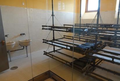 New York - Ellis Island, dortoir (pour ceux dont les formalités d'entrée prenait plus de temps que prévu)